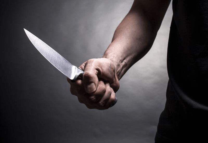 Задържаха под стража мъжът, който се опита да убие жена си пред административна сграда в град Нова Загора