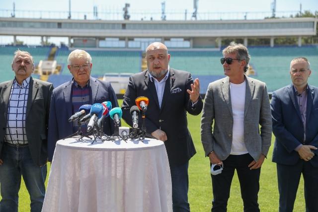 """Министър Кралев: """"Поради важността на финала за Купата на България ще бъдат допуснати до 12 хиляди зрители"""""""