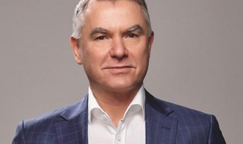 """Aтaнac Бoбoĸoв хвърли оставка като шеф на """"Moнбaт"""""""